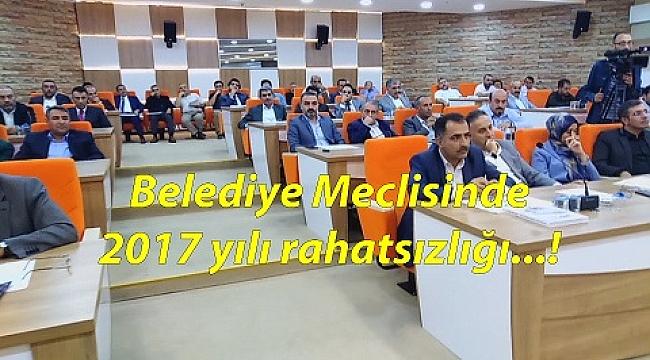 BELEDİYE MECLİS TOPLANTISINDA SOĞUK DUŞ ETKİSİ YAŞANDI