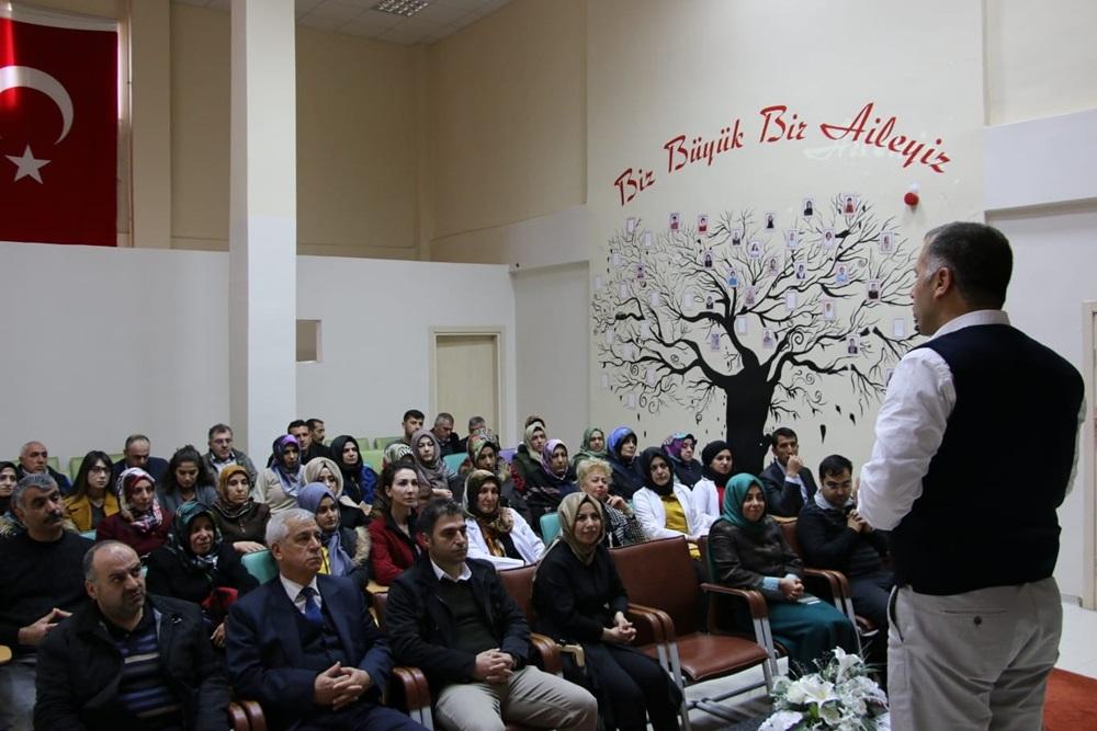 ELAZIĞ'DA 'ÖZEL BİREYLERE YAKLAŞIM' SEMİNERİ