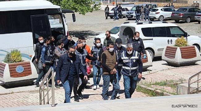 Elazığ'da beyzbol sopalı çete çökertildi