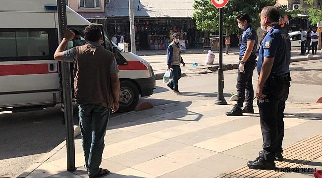 Covidli hasta, karantinayı ihlal etti, meydanda polis tarafından yakalandı