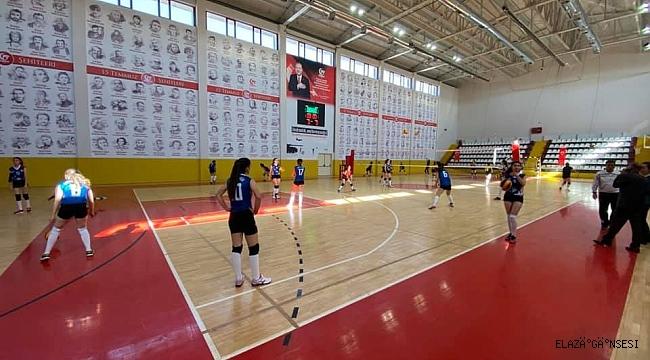 TVF 2. Lig: Elazığ Voleybol: 3 - Mardin Gençlik: 0
