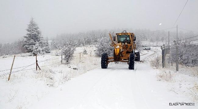 Elazığ'da kar nedeniyle kapalı köy yolu sayısı 94'e yükseldi