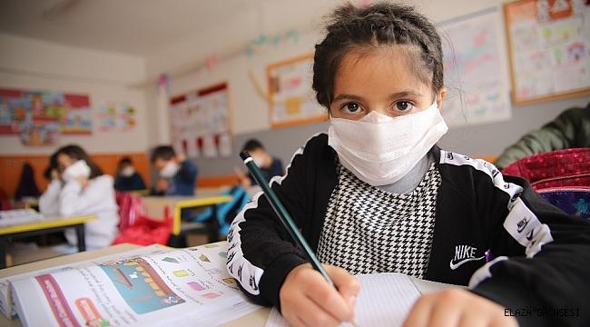 Elazığ'ın köy okullarında ilk ders heyecanı başladı