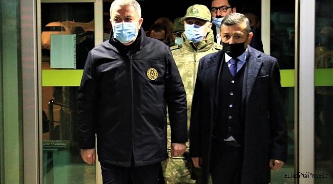 """Bakan Akar: """"Kazanın ani değişim gösteren hava şartları nedeniyle meydana geldiği değerlendirilmektedir"""""""