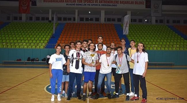 Basketbolda U-18 de EBUAŞ birinci oldu