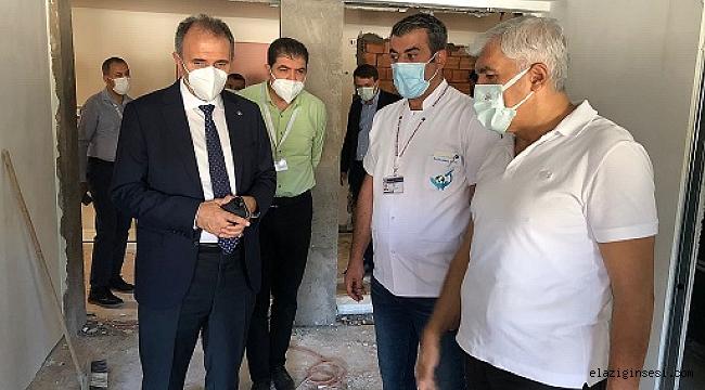 Rektör Prof. Dr. Göktaş, Üniversite Hastanesi'nde devam eden çalışmaları inceledi